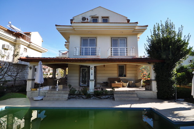 Calis villa with private pool for sale