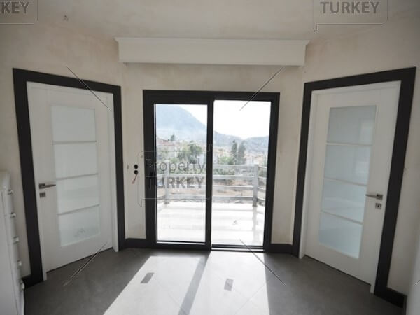 Access to the balcony and corridor