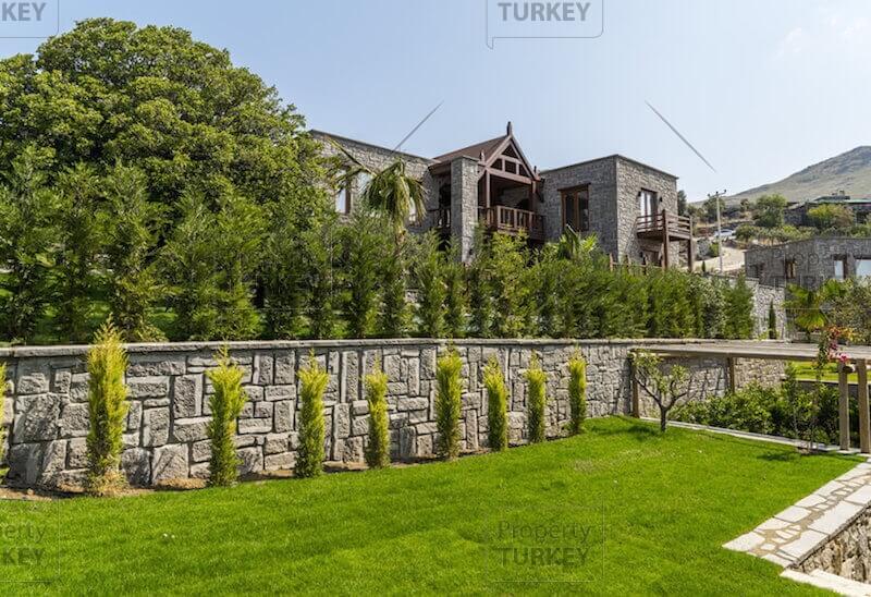 Large residences garden