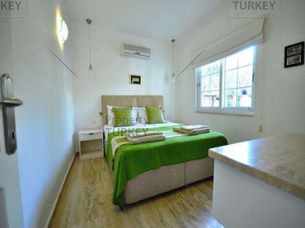 Villas spacious bedroom