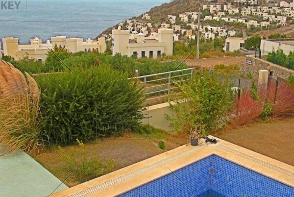 Seaviews and pool