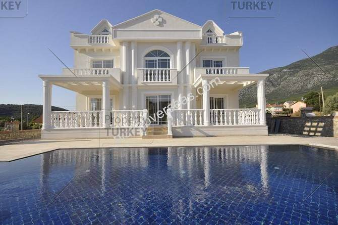 Ovacik home white house design