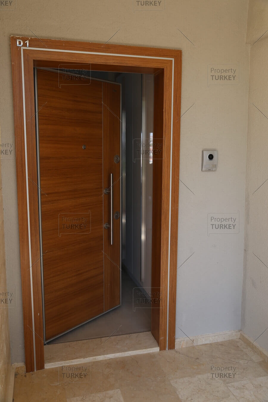Access to the apartment