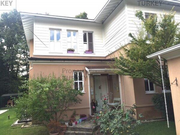 Villas front door