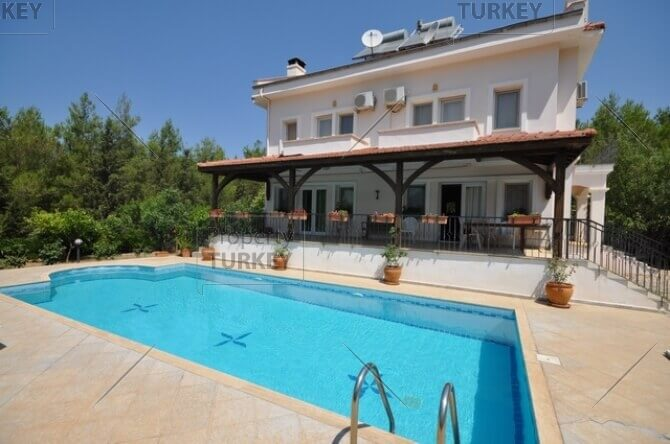 Villa in Ovacik for sale