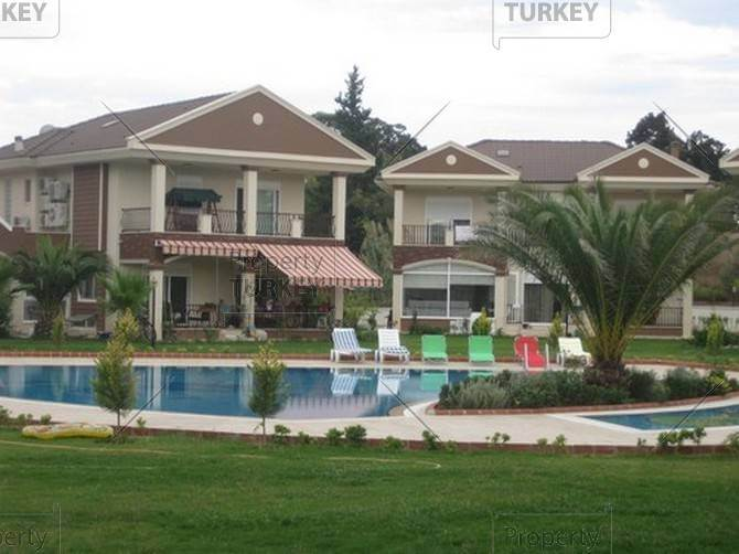 Side villa