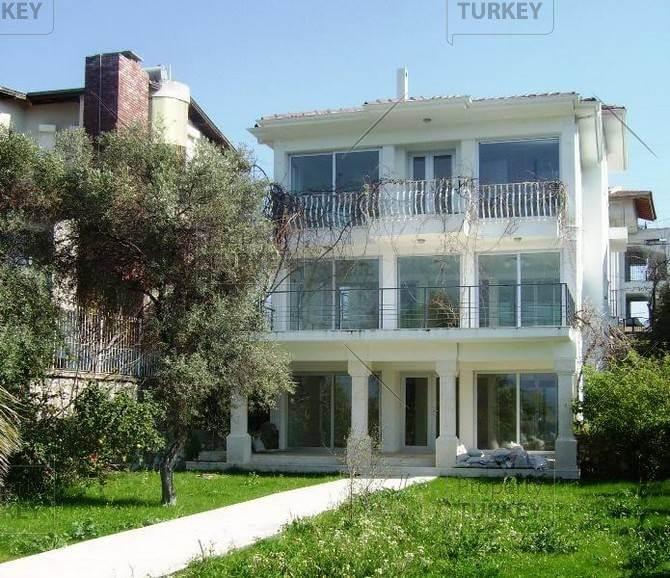 Sovalye island villa