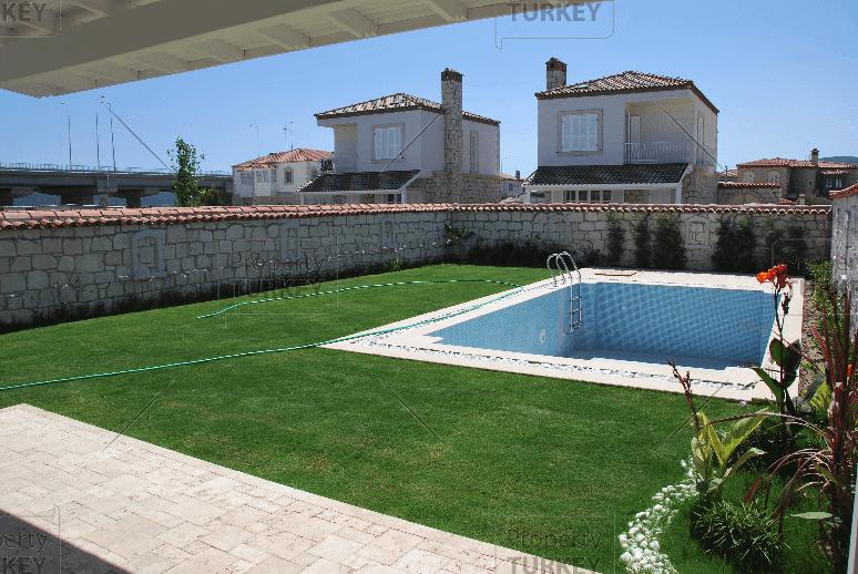 Private pool in garden