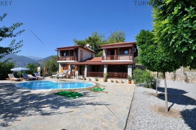 Stone house for sale in Uzumlu