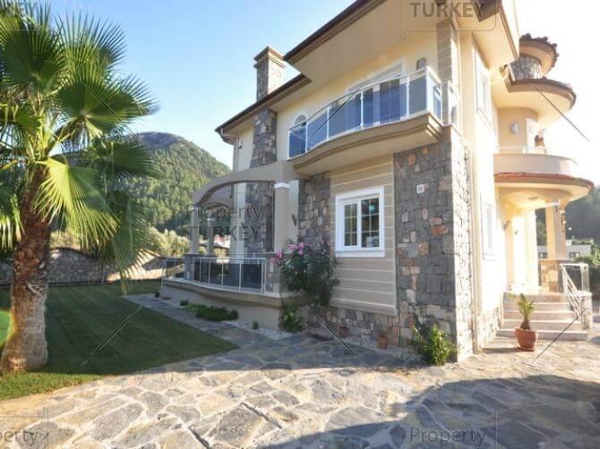 Modern villa in Uzumlu