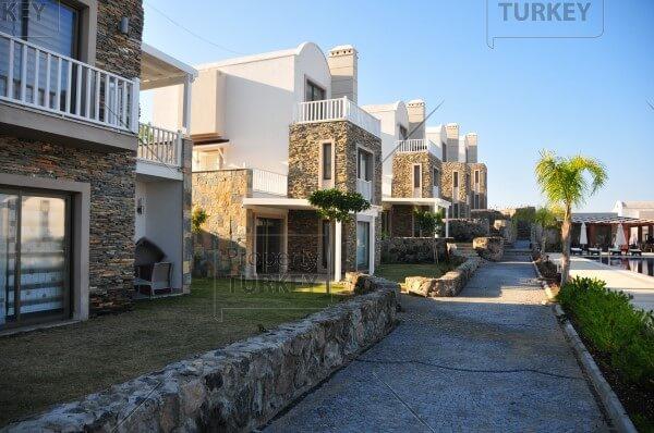 Villas walking path