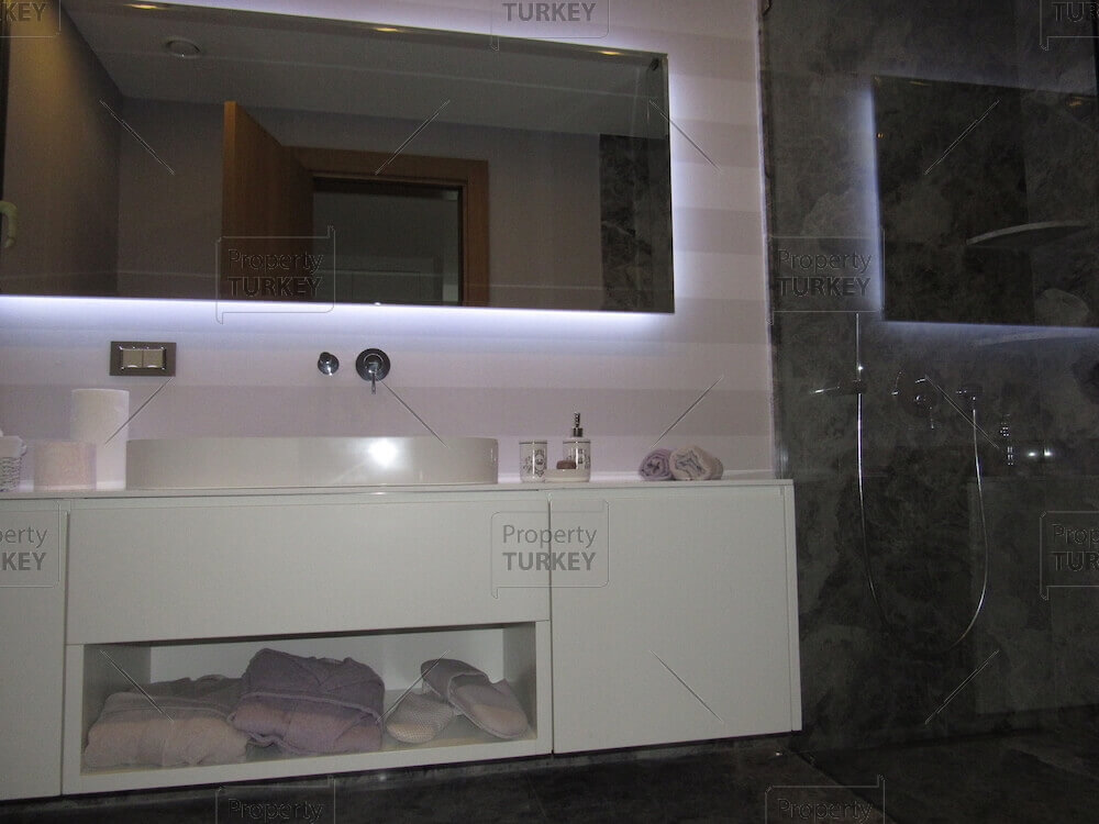 Villas en-suite bathroom