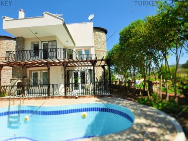 Fully furnished Calis bargain villa close to beach