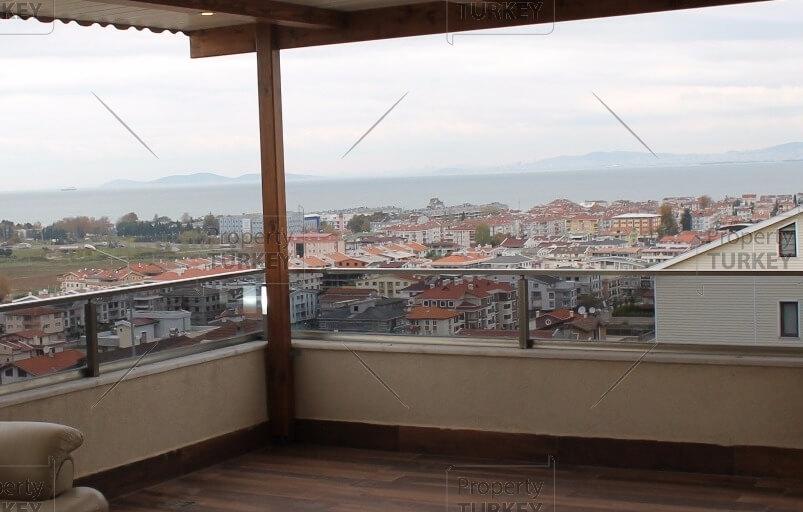 Sea view villa for sale in Yalova
