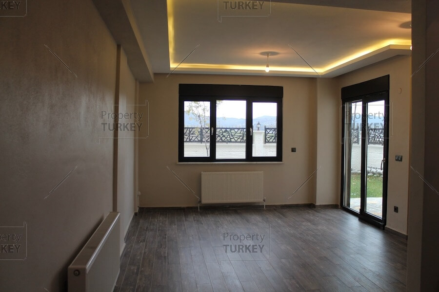 Spacious front room