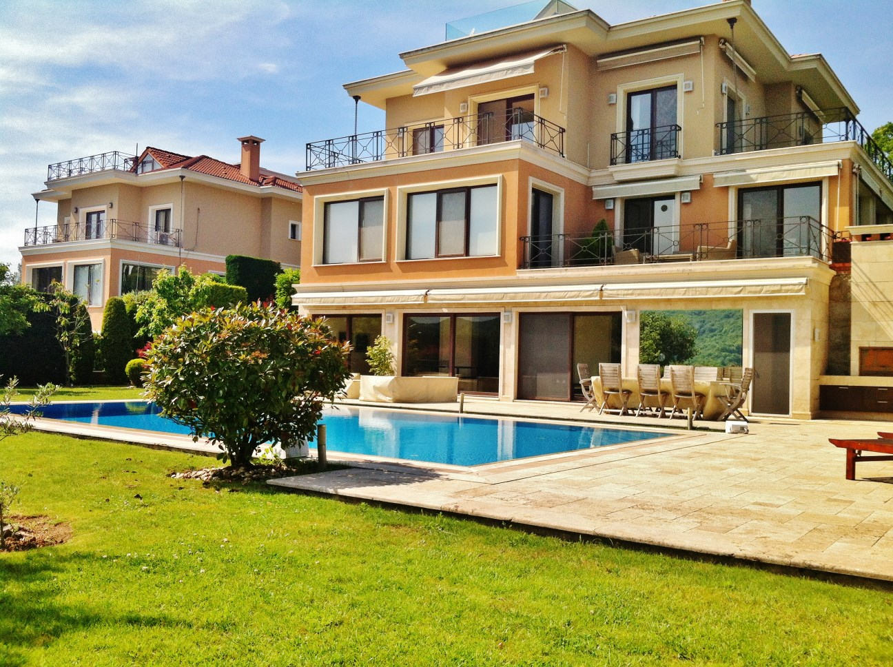 Stunning 6 Bedroom Villa In Istanbul Sariyer For Sale