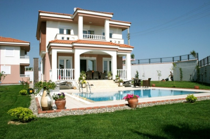 Fully Furnished With Large Private Pool Side House Great