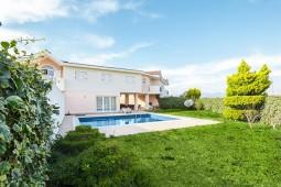 Private pool for a bargain villa