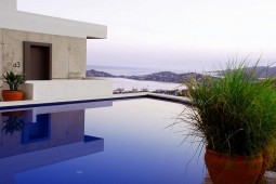 Swimming pool in penthouse in Yalikavak