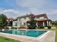Modern Istanbul villa