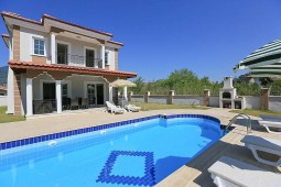 Property with pool in Dalyan