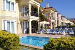 Villa for sale in Calis Beach