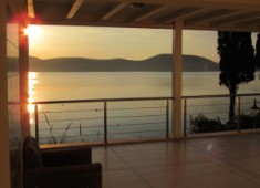 Villa with waterfront for sale in Bitez