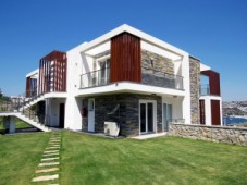Gundogan apartment with sea view for sale