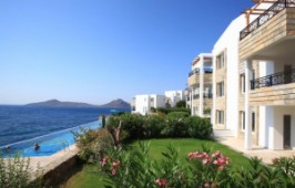 Villa with beach access for sale in Yalikavak