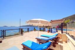Villa sea views