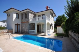 Fully furnished villa for sale in Uzumlu