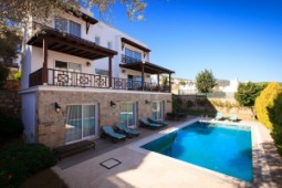 Villa in Torba for sale