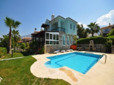 Family villa for sale in Ovacik
