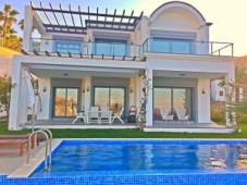 Seafront villa for sale Bodrum Yalikavak
