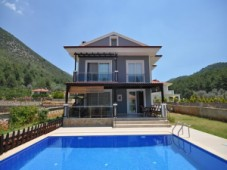 Uzumlu spacious villa for sale