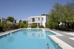 Modern villa in Torba