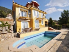 Uzumlu triple detached villa for sale