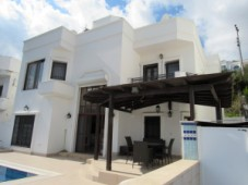 Villa close to the beach for sale in Torba