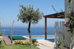Waterfront house in Bodrum Kudur