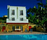 Yalikavak villa with rental potential