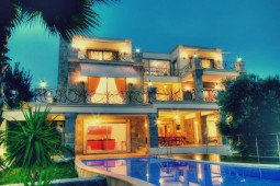 Glamour home in Palmarina Bodrum